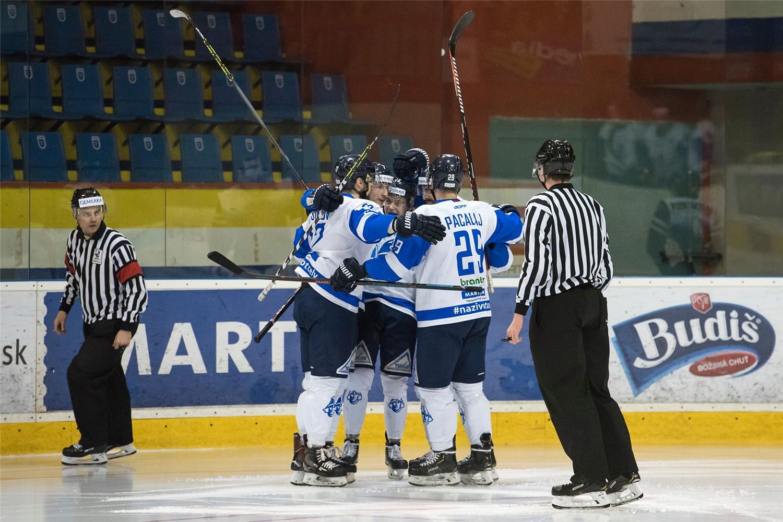 Martin postúpil do finále, Dubnica s bronzovými medailami